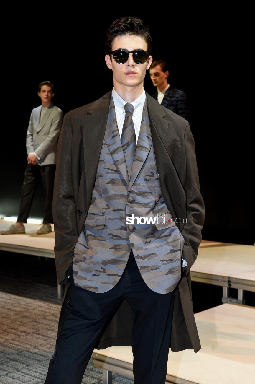 Cerruti Men Paris Fashion Week 2016 SS 17