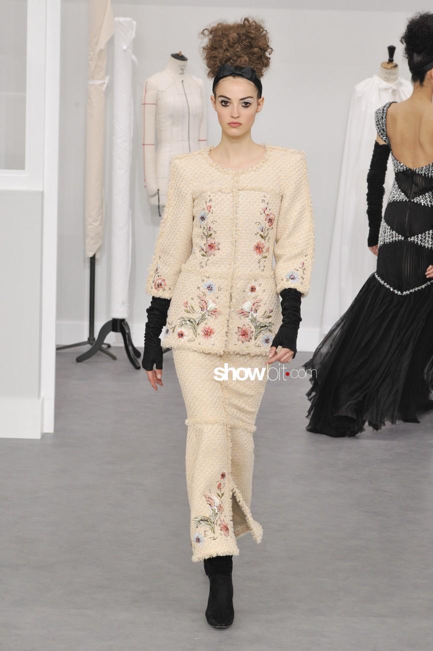 Chanel haute couture f w 39 16 17 showbit for Haute couture fashion house
