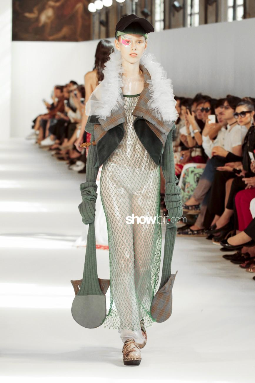 Maison Margiela Paris Haute Couture 2016 Fall Winter 2016 - 2017 Women Collection