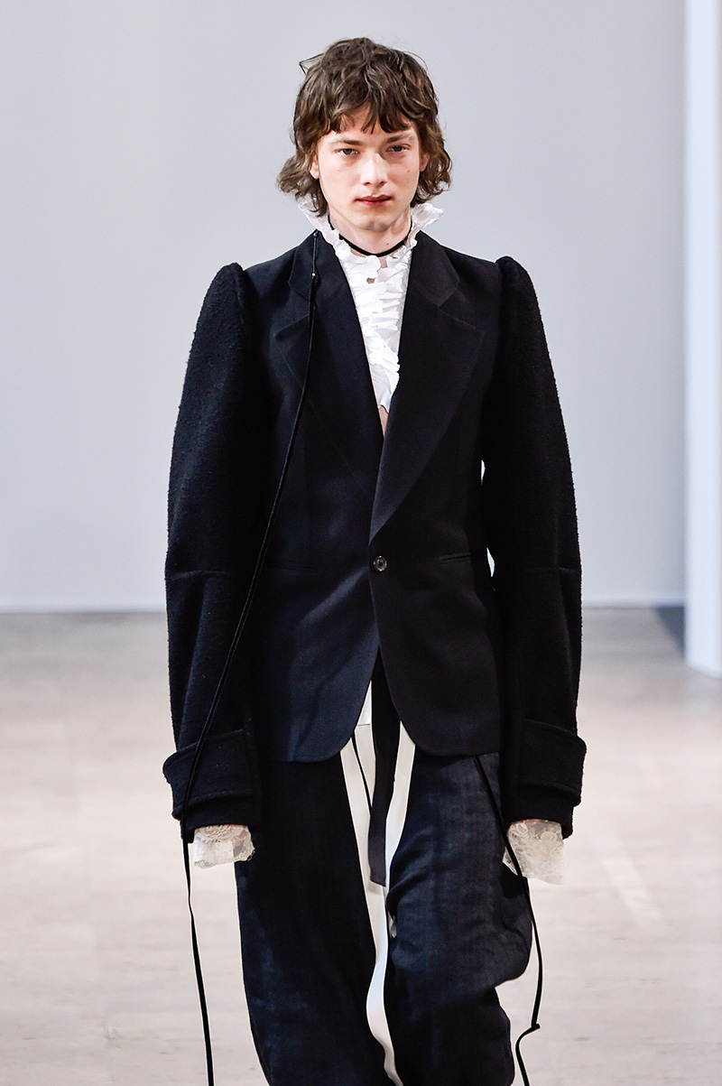 Ann Demeulemeester Fall 2017 Paris Men's Fashion Week 2