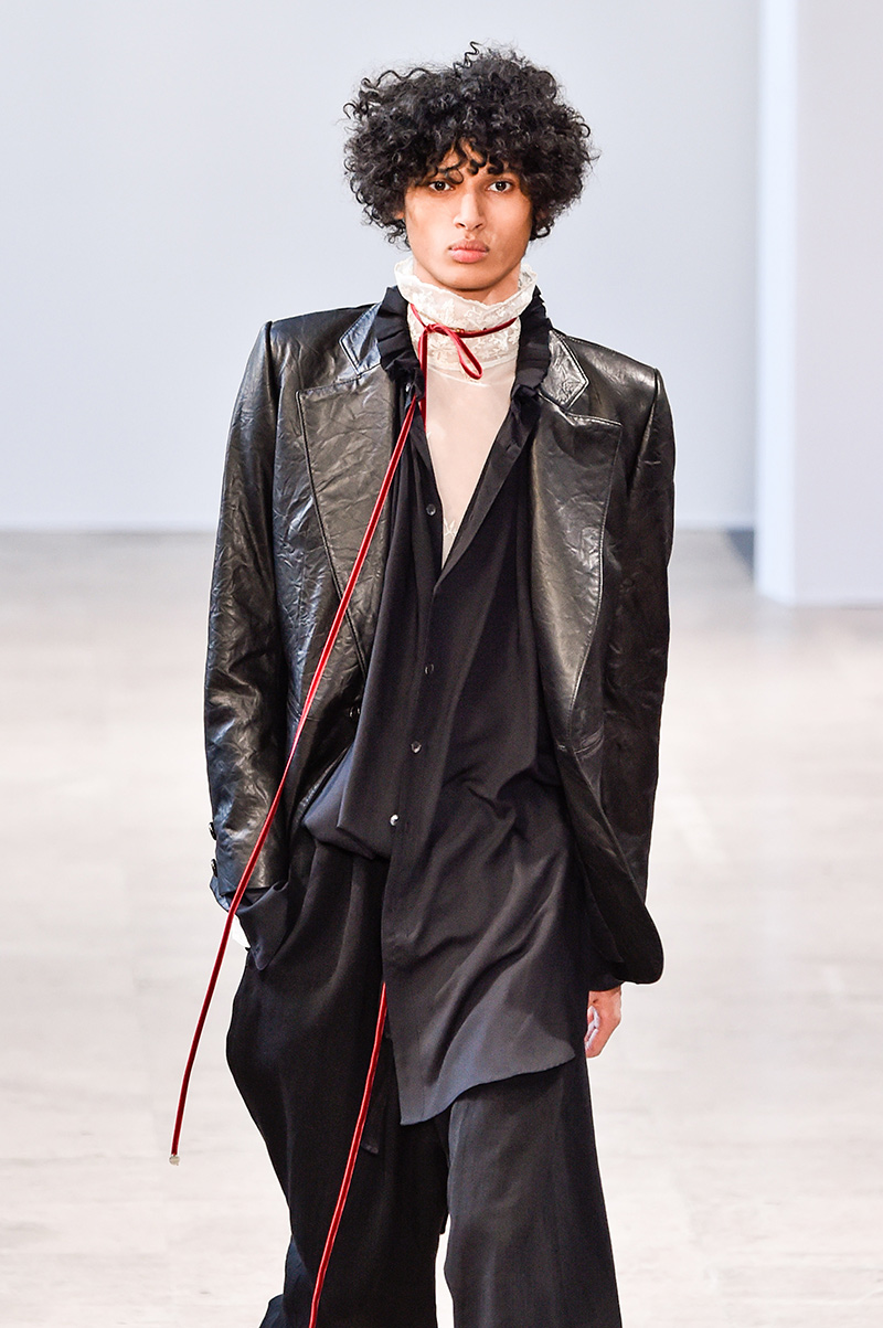 Ann Demeulemeester Fall 2017 Paris Men's Fashion Week 3