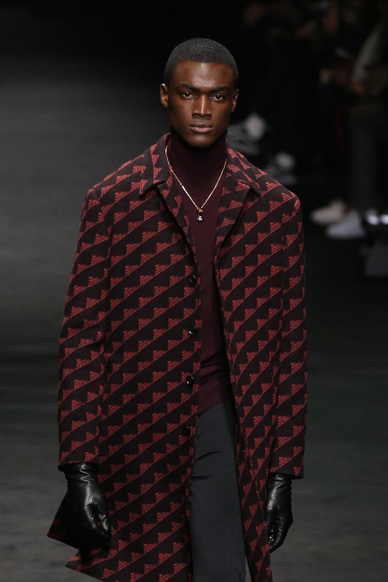 Versace Fall 2017 Milan Men's Fashion Week