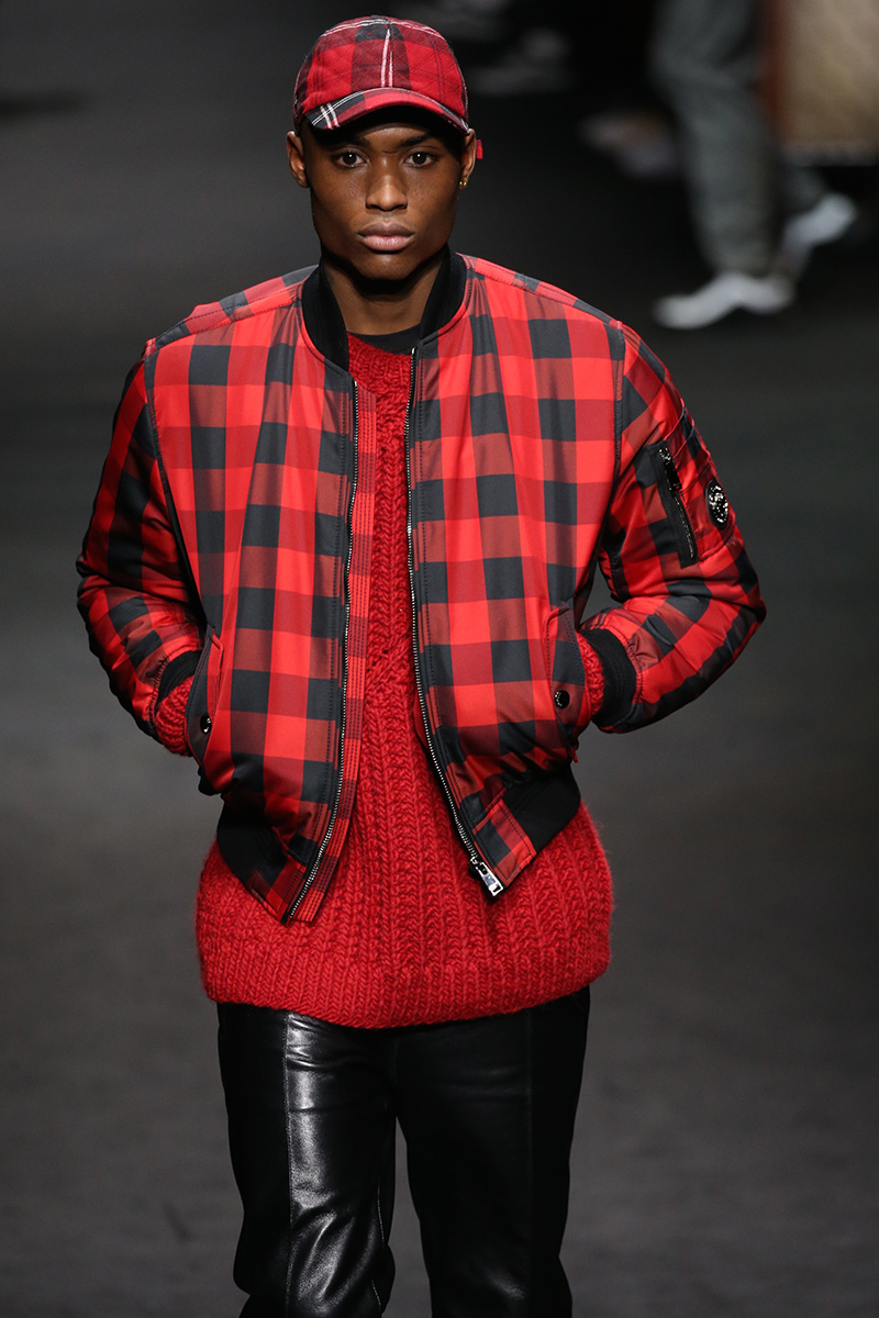 Versace Fall 2017 Milan Men's Fashion Week Show