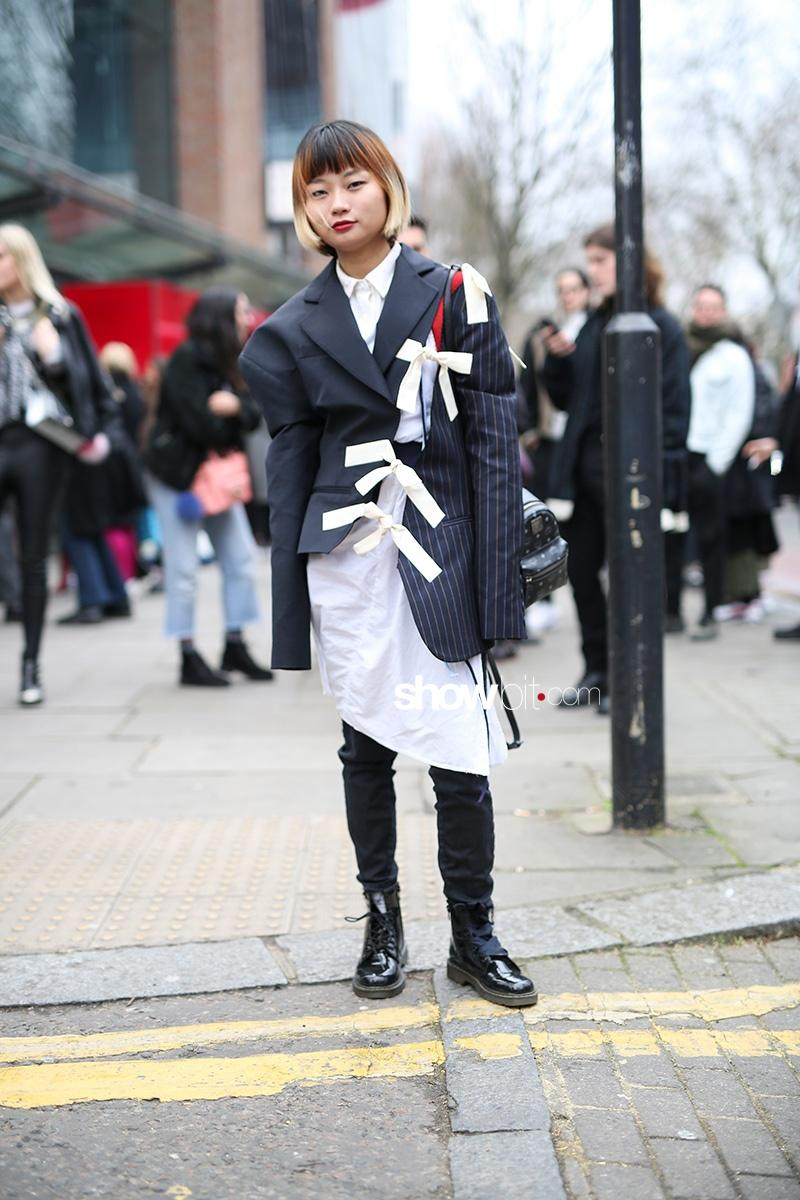 London Fashion Week F17 Street Style