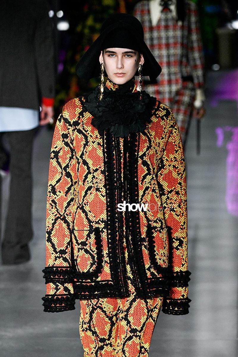 Gucci fall 2017 milan fashion week showbit for Gucci milan fashion week
