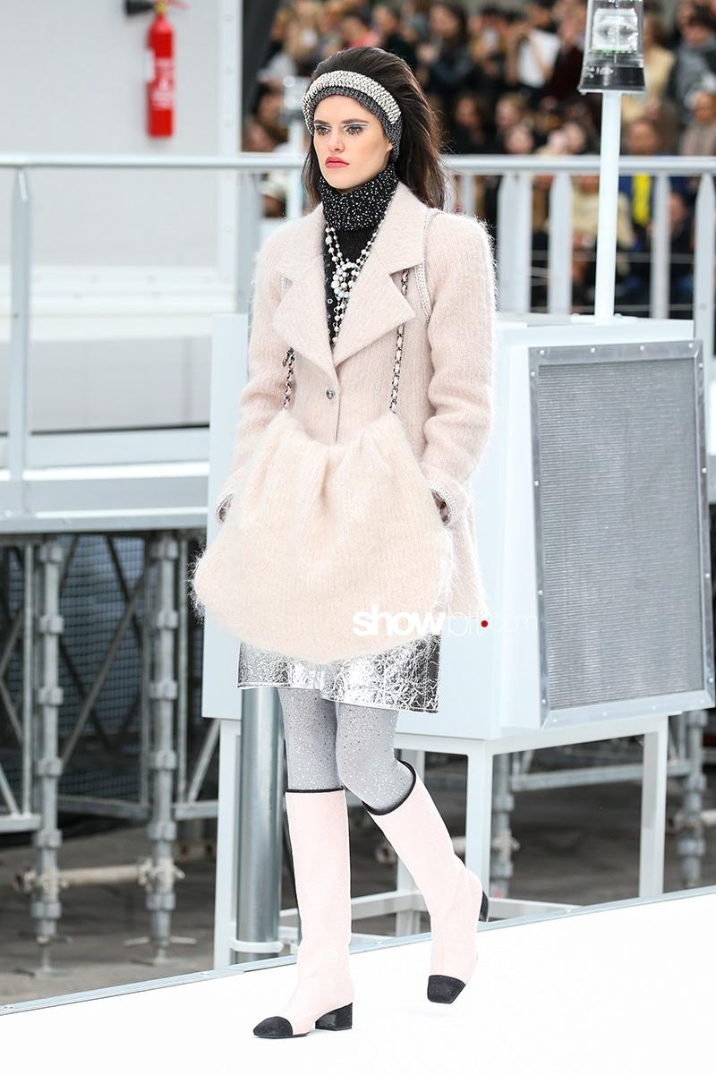 Chanel F17 Paris Fashion Week