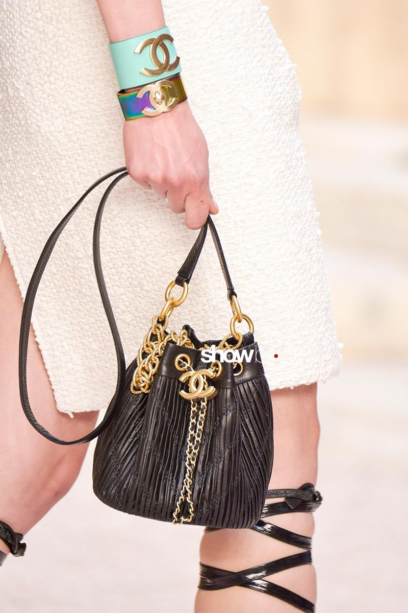 5b5fa867f155 Chanel Cruise 2018 Bag - ShowBit