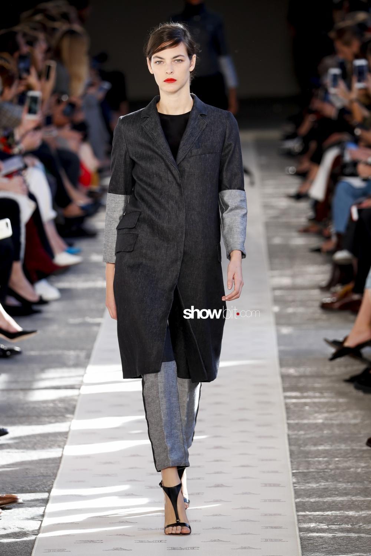 7797d3a71a1b Milan Fashion Week Spring Summer 2018  Max Mara new collection - ShowBit