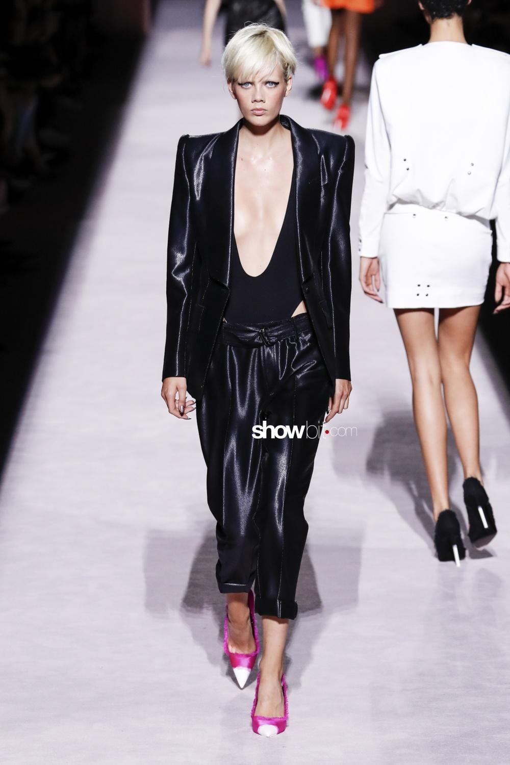 75a45b6c44 New York Fashion Week  Tom Ford s Women Spring Summer 2018 ...