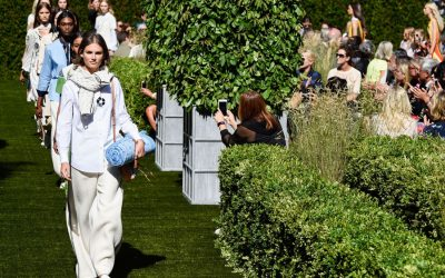 New York Fashion Week: All the Accessories from Tory Burch Spring Summer 2018 Garden