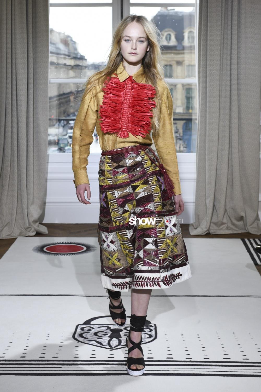 Schiaparelli couture paris woman spring summer 2018