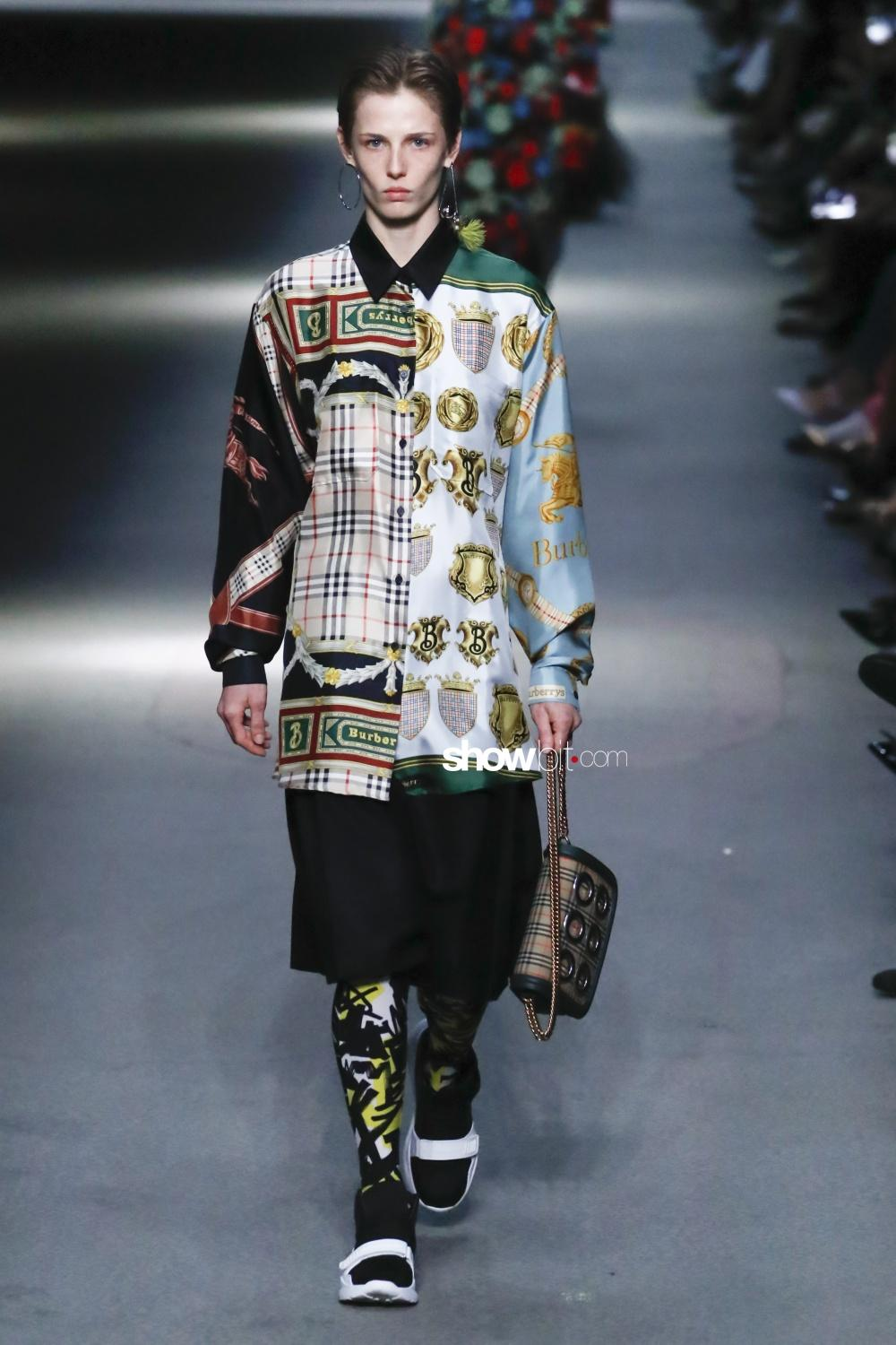 Burberry Women Men Fall 2018 London
