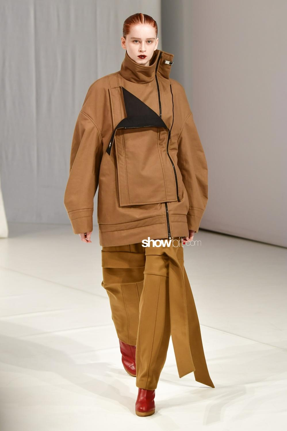 Chalayan Women Fall Winter 2018 London
