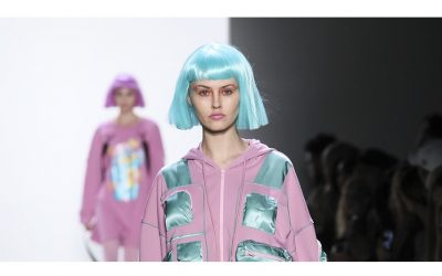 Flashbacks… in a made-in-Jeremy Scott sci-fi future
