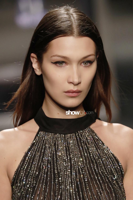 Alberta Ferretti beauty runway Woman Fall Winter 2018 Milan