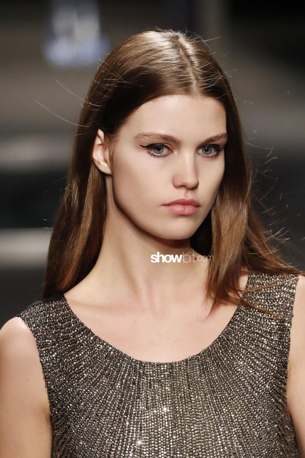 Alberta Ferretti beauty runway Woman Fall Winter 2018 Milan