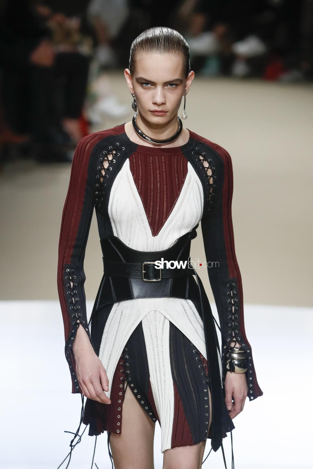 Alexander McQueen Knitwear Woman Fall Winter 2018 Paris
