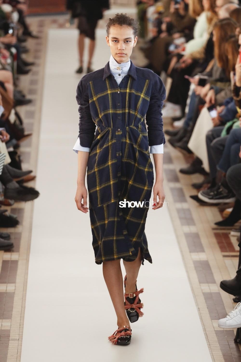 Carven Fall Winter 2018 Paris