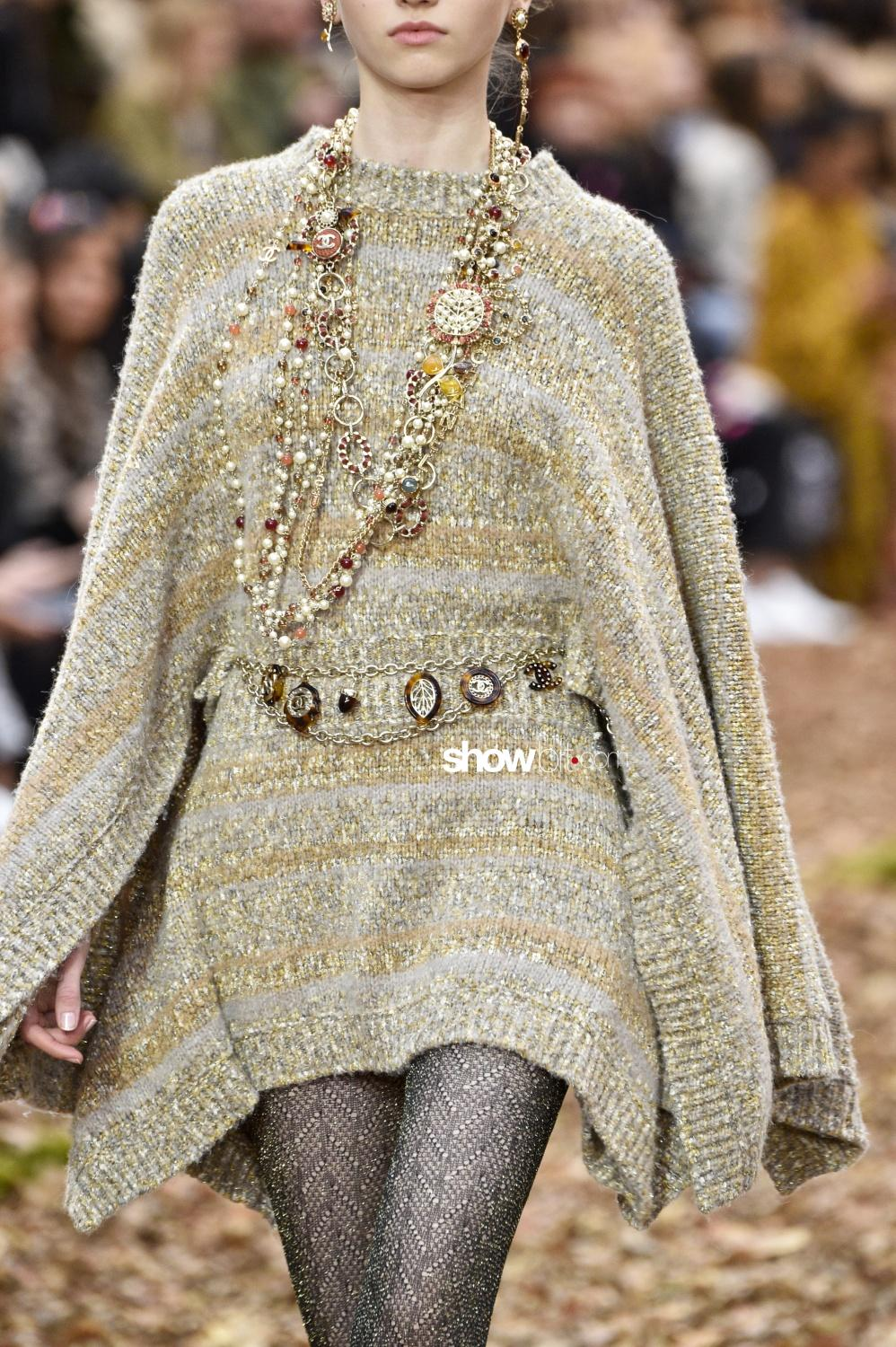 Chanel close-up knitwear Woman Fall 2018 Paris