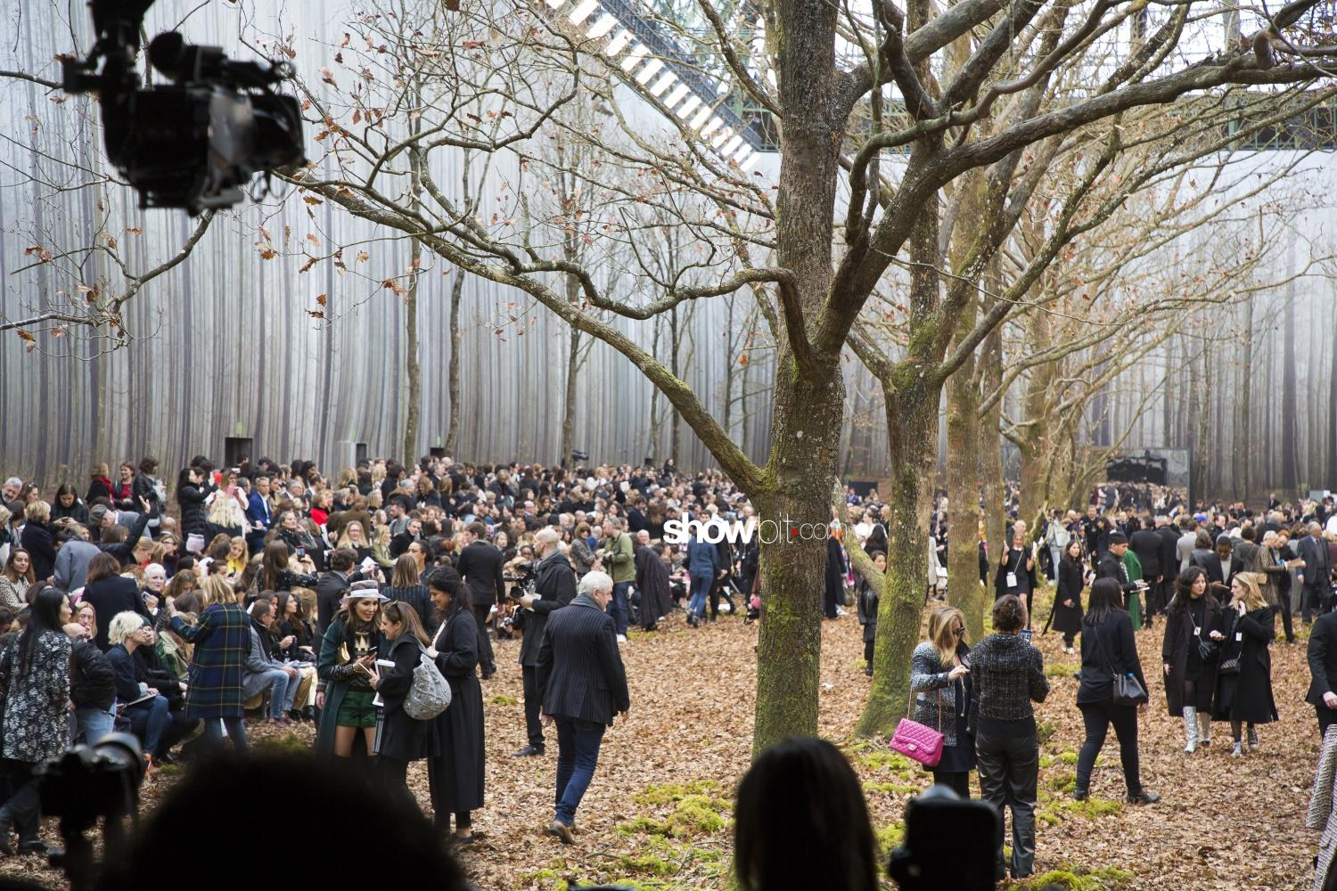 Chanel sceneries Woman Fall Winter 2018 Paris