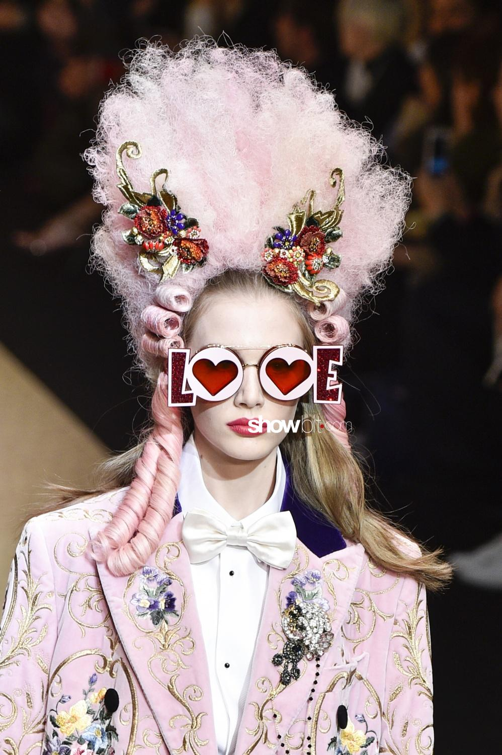 Dolce & Gabbana close-up Woman Fall 2018 Milano