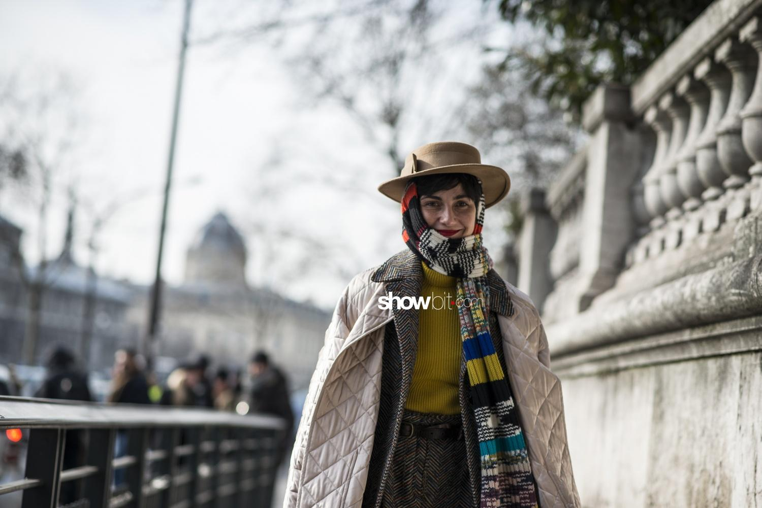 Dries Van Noten people street style Woman Fall Winter 2018 Paris