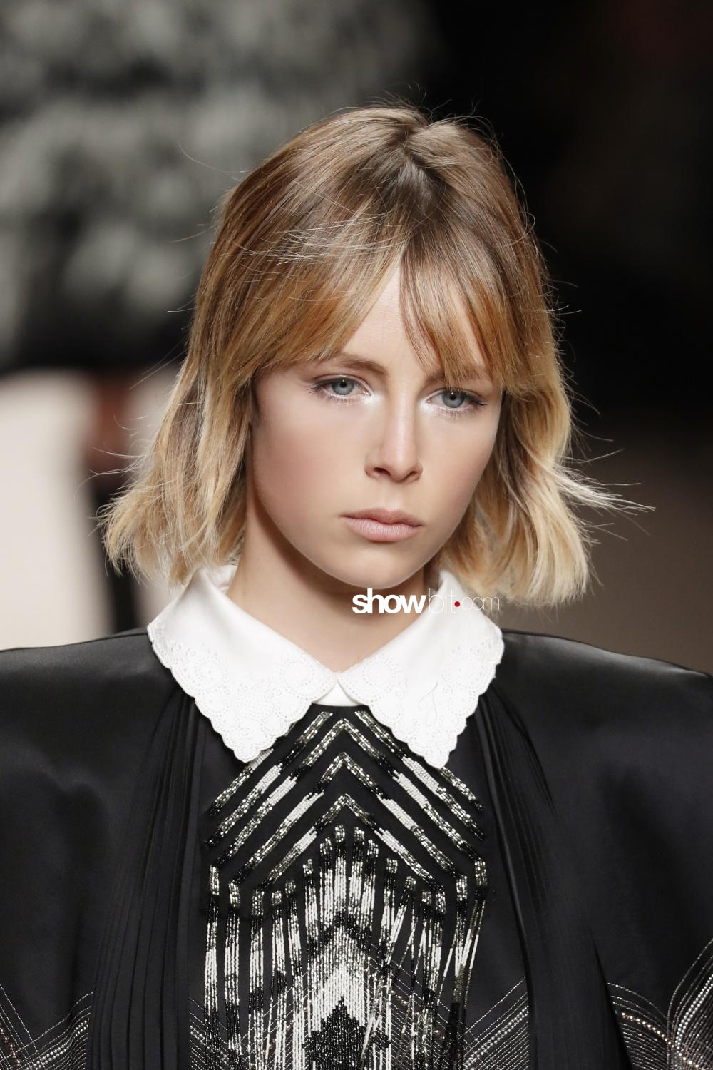 Fendi beauty runway Fall Winter 2018 Milano Edie Campbell