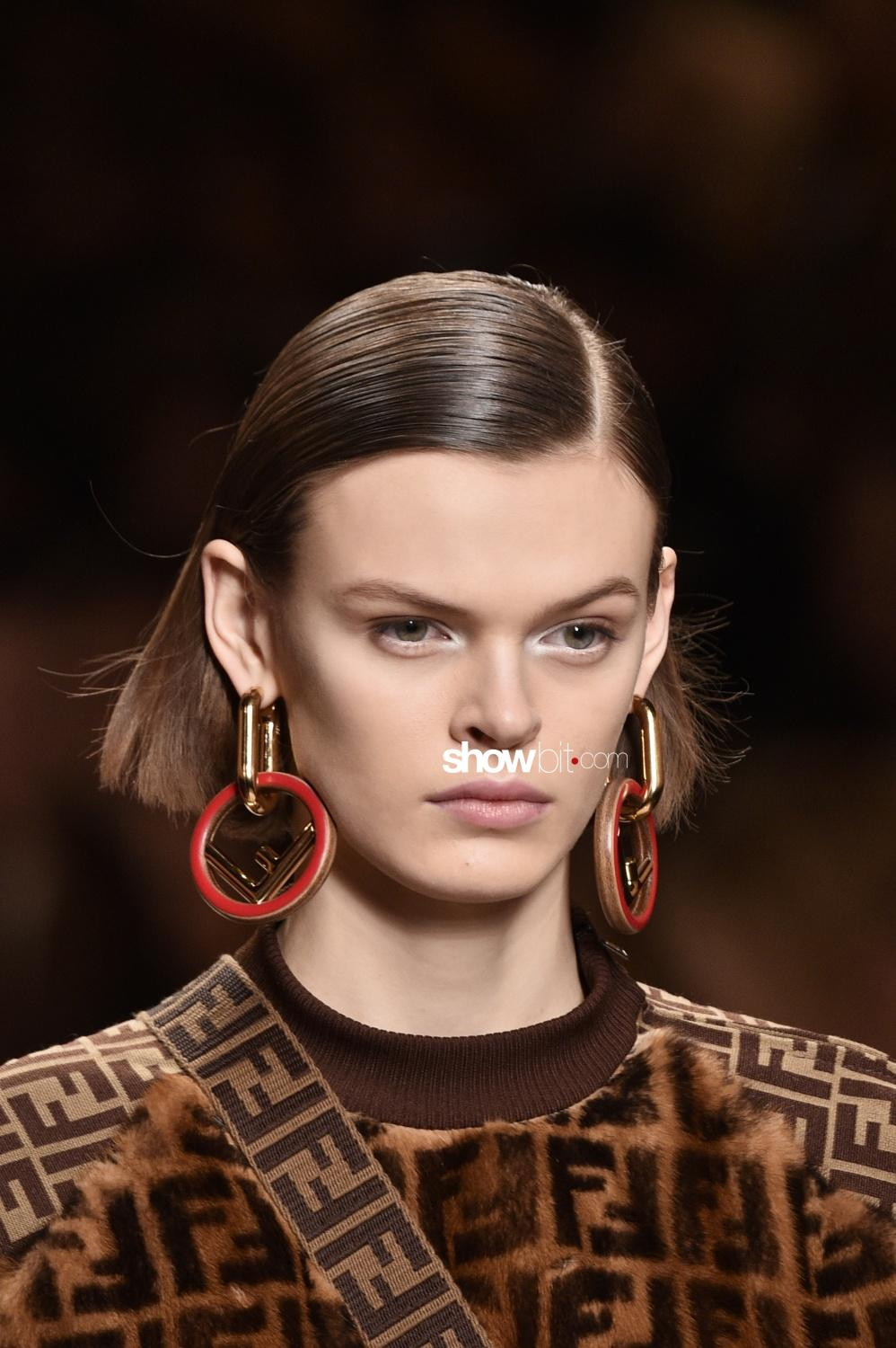 Fendi beauty runway Fall Winter 2018 Milano Cara Taylor