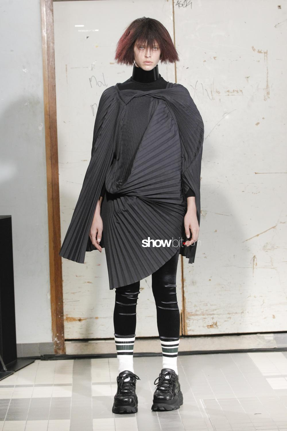 Junya Watanabe plissé Woman Fall Winter 2018 Paris