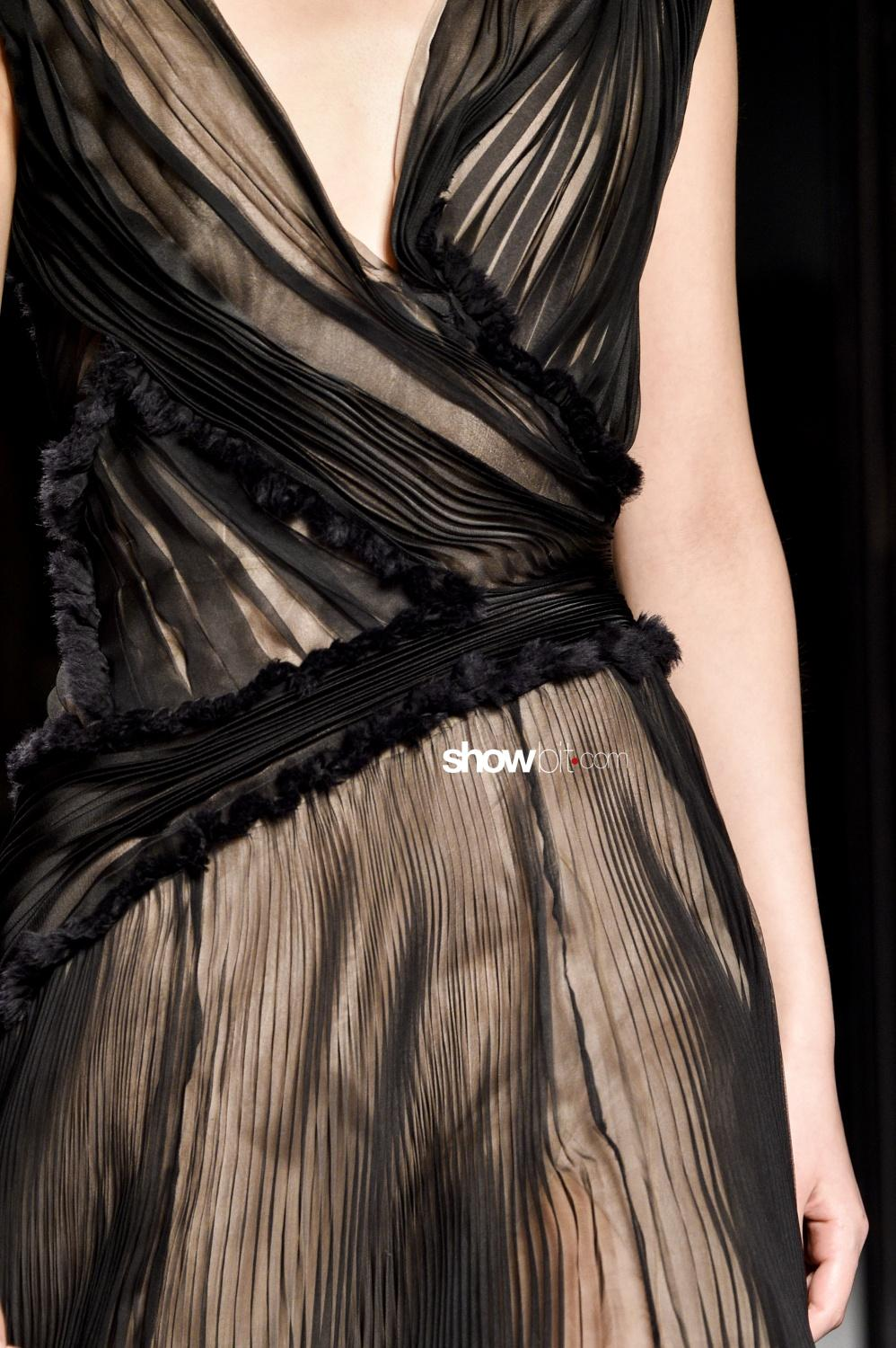 Lanvin close-up plissé Woman Fall Winter 2018 Paris