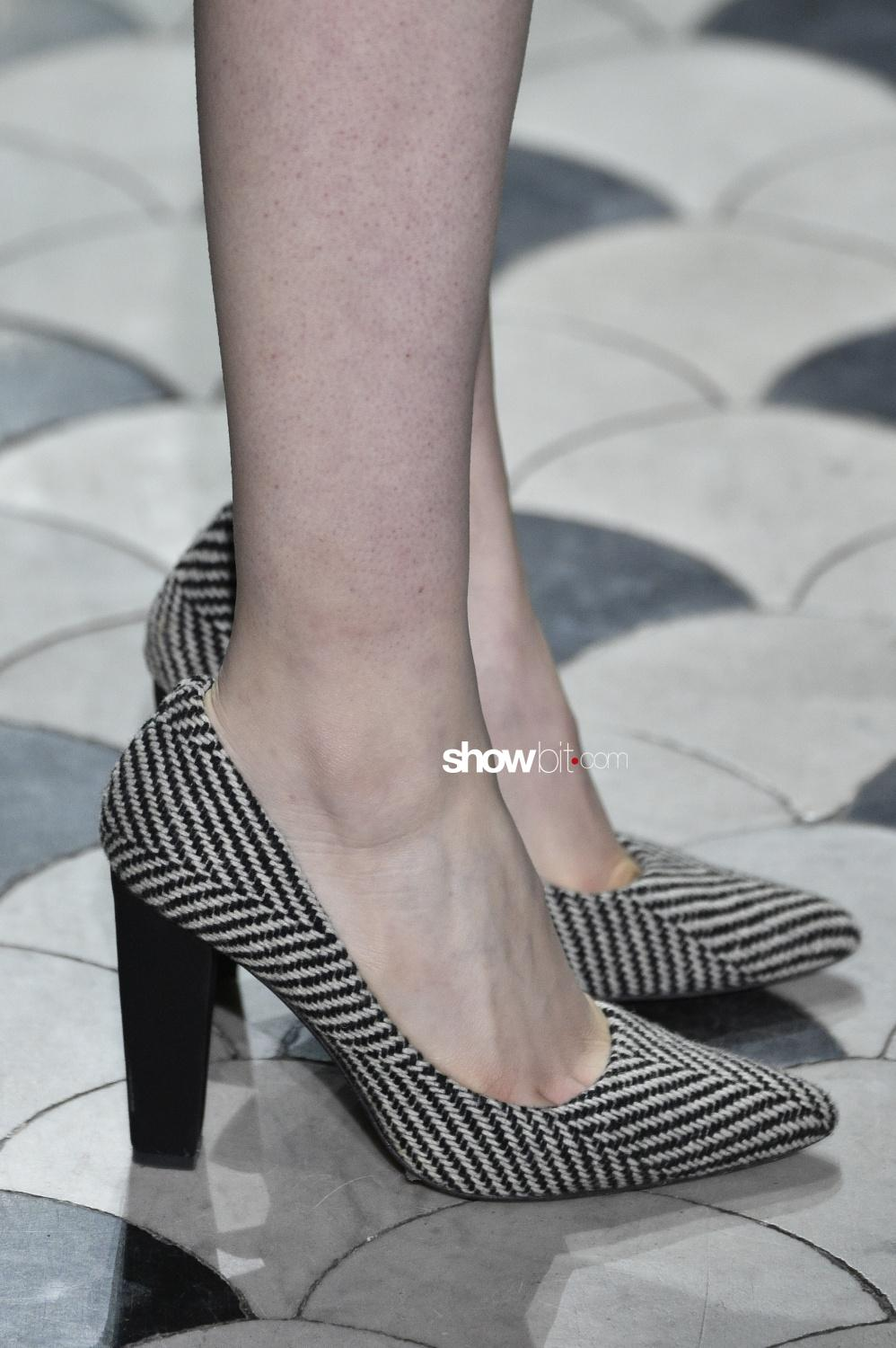 Lutz Huelle close-up shoes Woman Fall Winter 2018 Paris