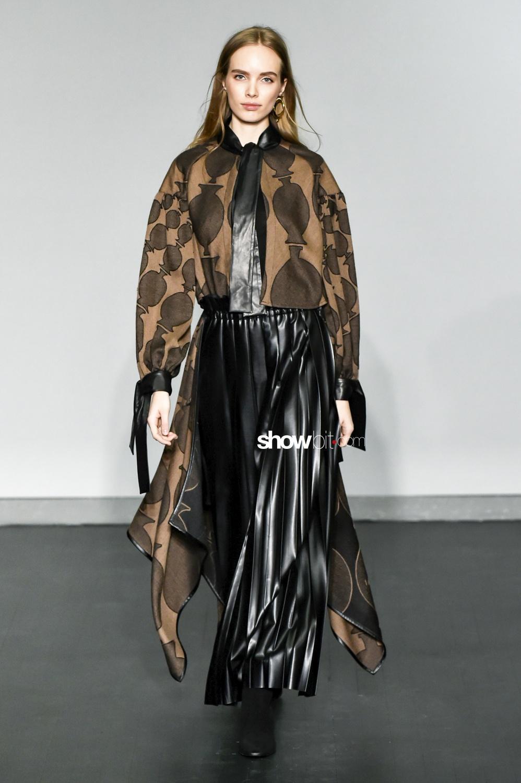 Nobi Talai plissé Woman Fall Winter 2018 Parsi