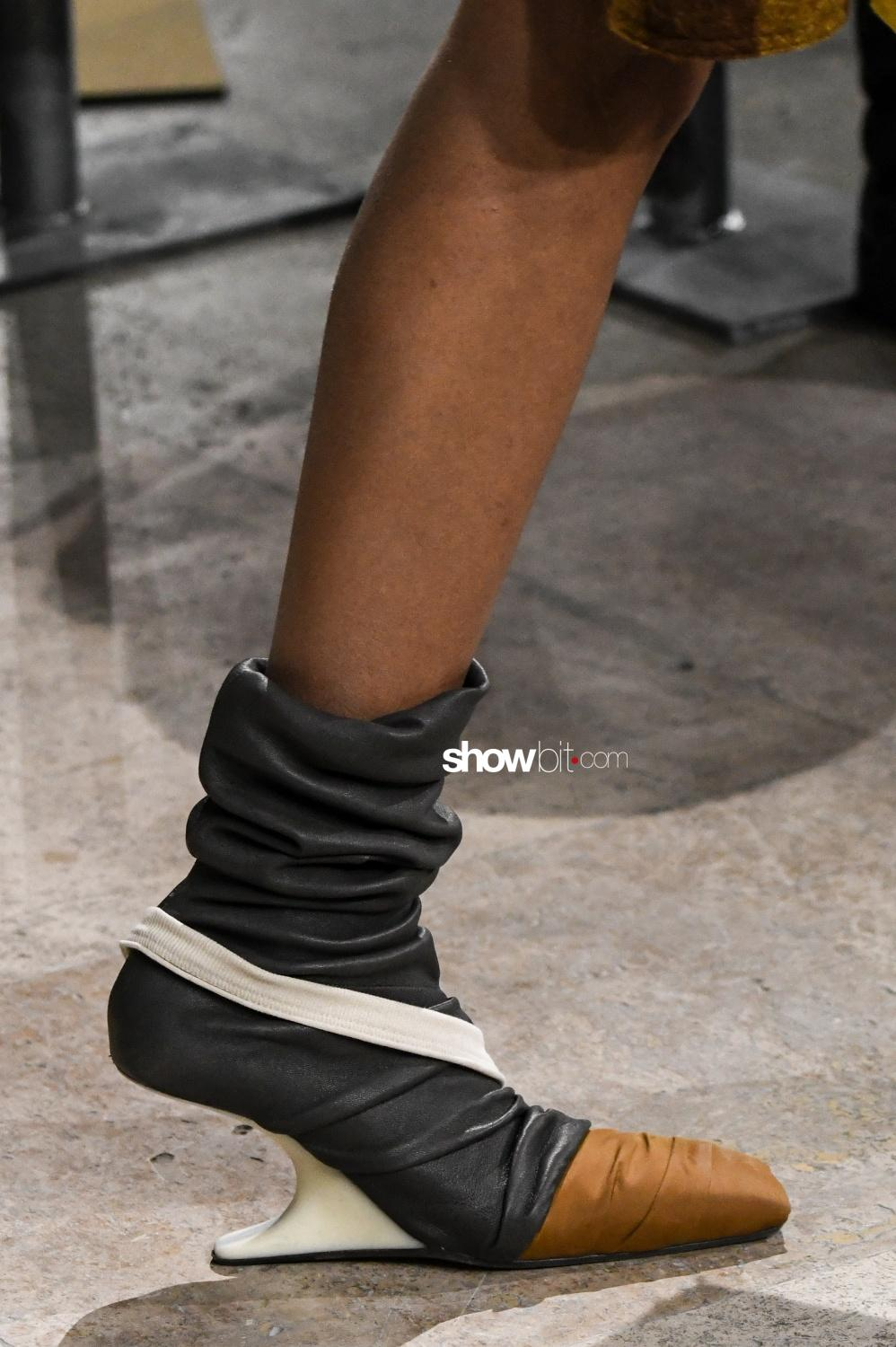Rick Owens close-up shoes Woman Fall Winter 2018 Paris