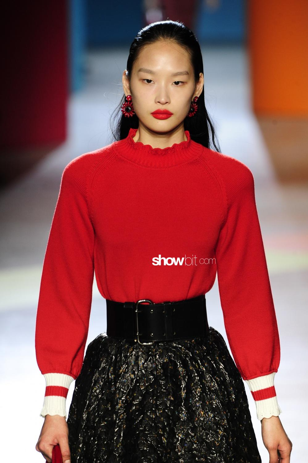 Shiatzy Chen knitwear Woman Fall Winter 2018 Paris