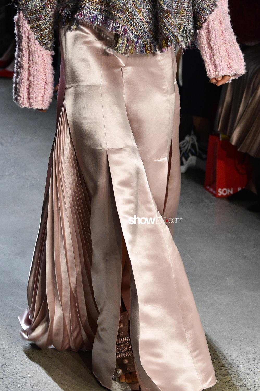 Son Jung Wan close-up plissé Woman Man Fall Winter 2018 New York