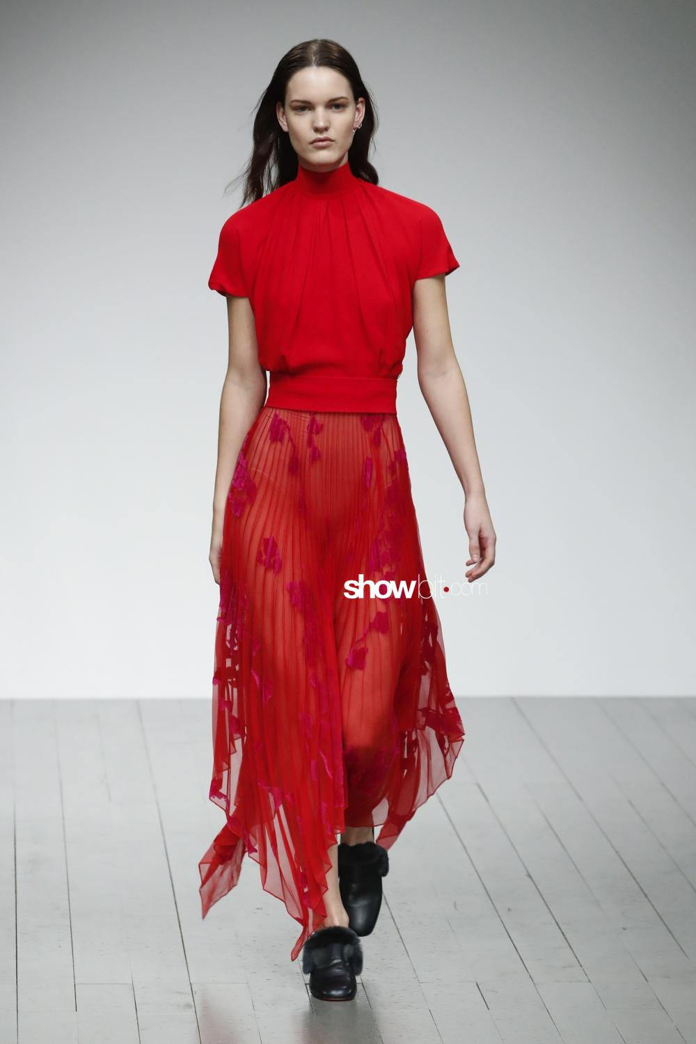 Teatum Jones plissé Woman Fall Winter 2018 London