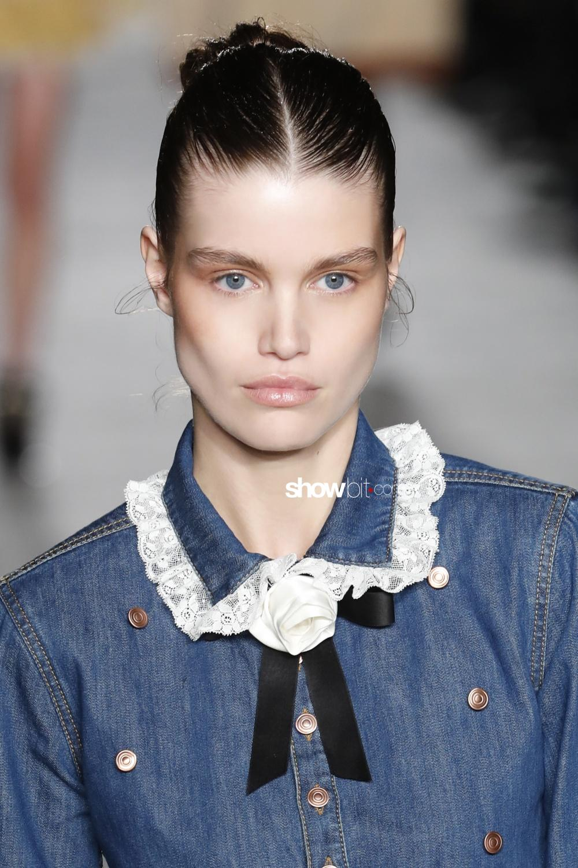Philosophy Lorenzo Serafini beauty runway Women Fall 2018 Milano Luna Bijl