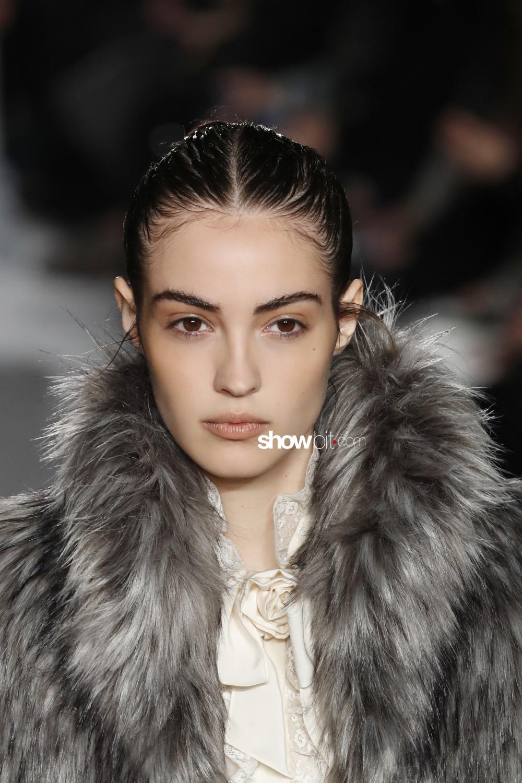 Philosophy Lorenzo Serafini beauty runway Women Fall 2018 Milano Camille Hurel