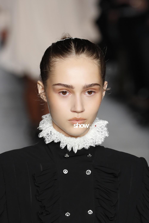 Philosophy Lorenzo Serafini beauty runway Women Fall 2018 Milano Michelle Gutknecht