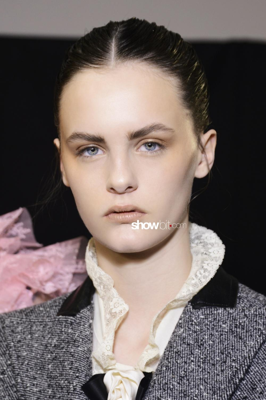 Philosophy di Lorenzo Serafini beauty backstage Women Fall 2018 Milano Lea Holzfuss