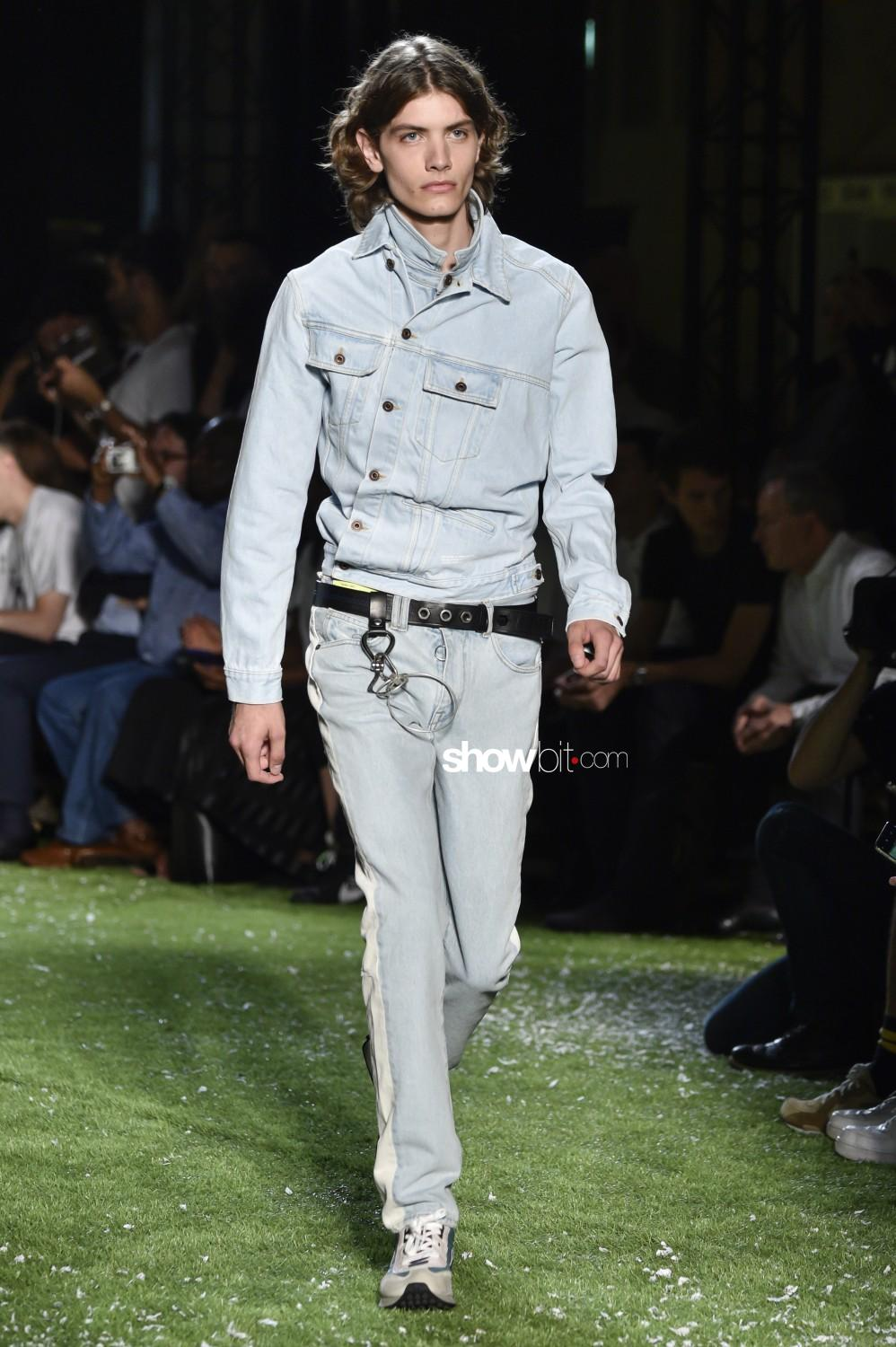 Off-White Man Spring Summer 2019 Paris
