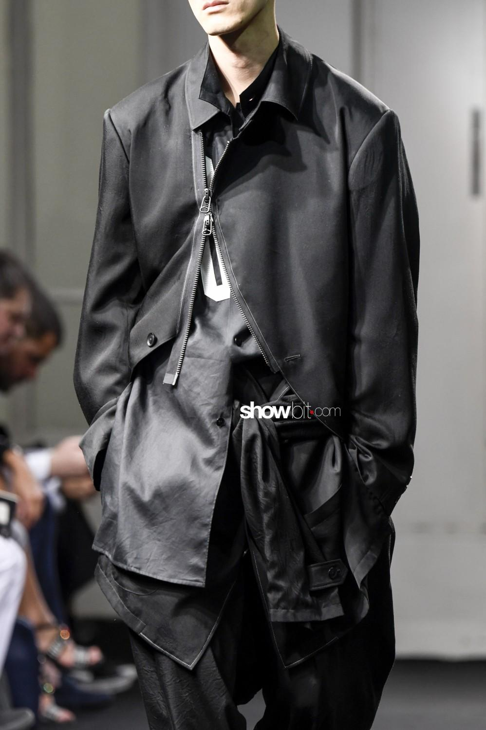 Yohji Yamamoto close-up Man Spring Summer 2019 Paris