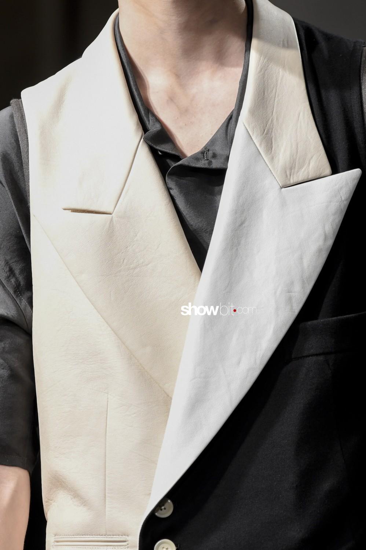 Yohji Yamamoto close-up Man Spring Summer 2019 Paris