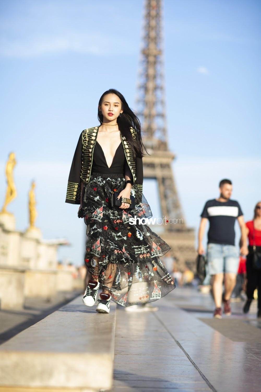 Guo Pei people Haute Couture Fall Winter 2018 Paris