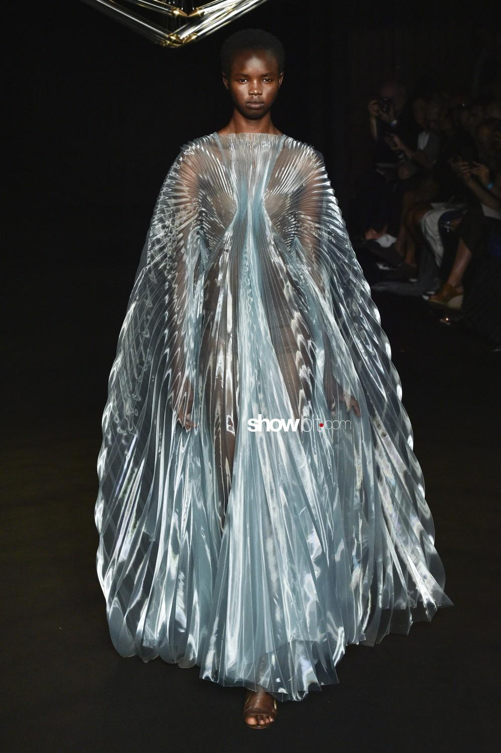 Iris Van Herpen Haute Couture Fall Winter 2018 Paris