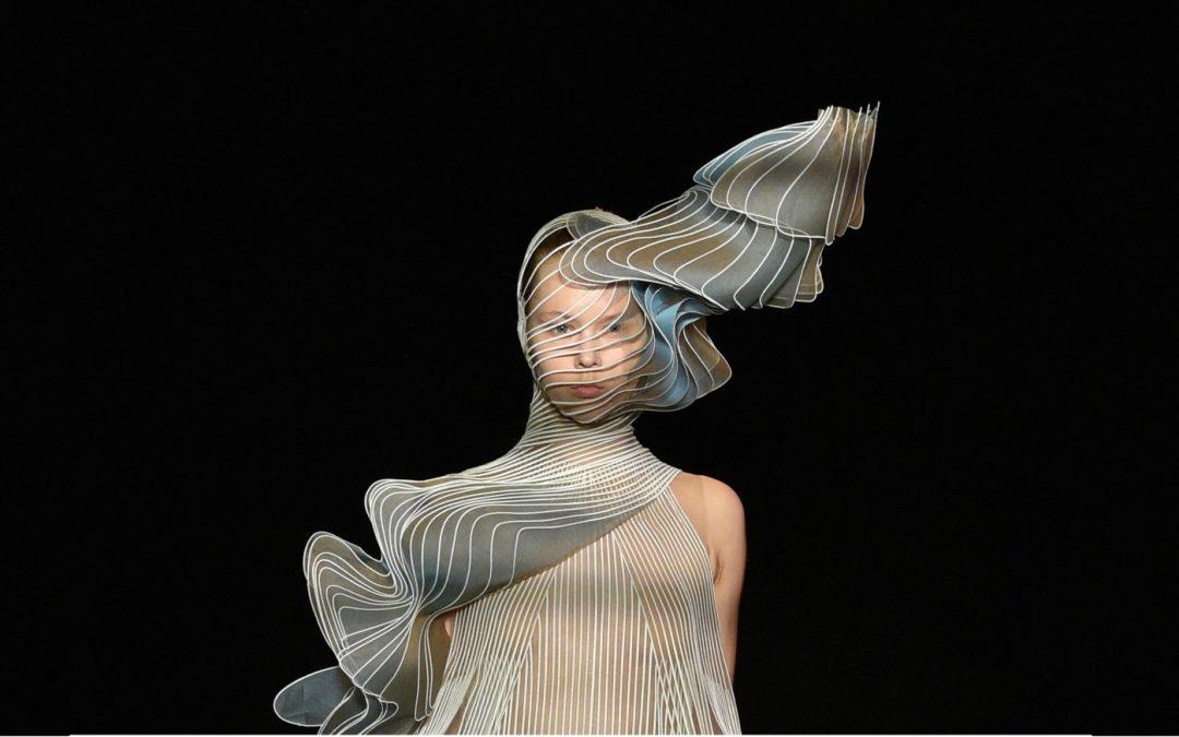 Iris Van Herpen: Fashion speaks the language of Chronophotography