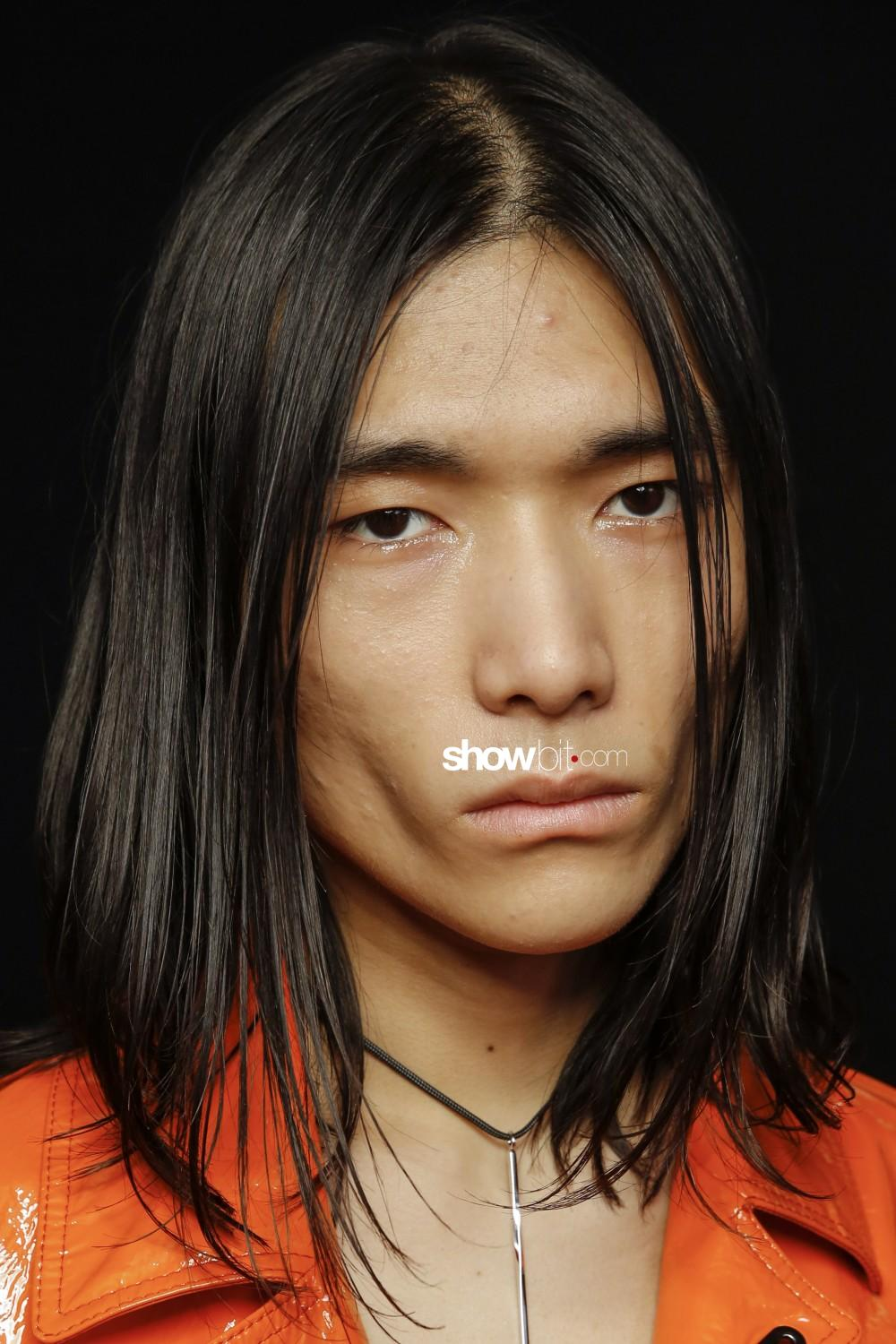 Acne Studios beauty backstage Man Fall Winter 2019 2020 Paris