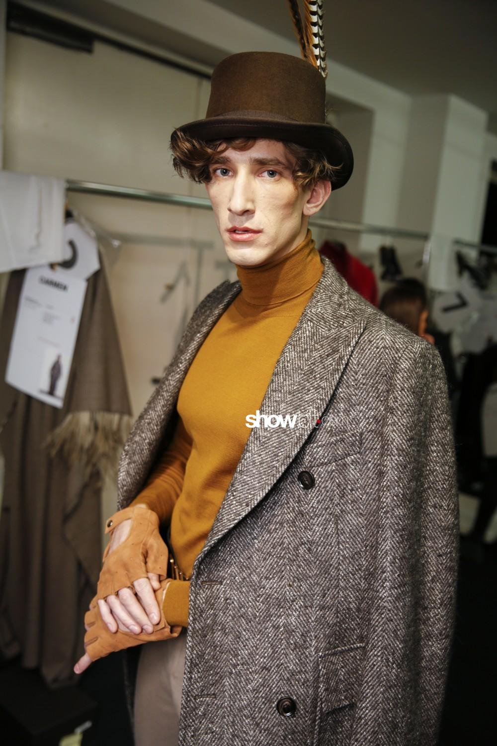 Daks backstage Men Women Fall Winter 2019 Milano