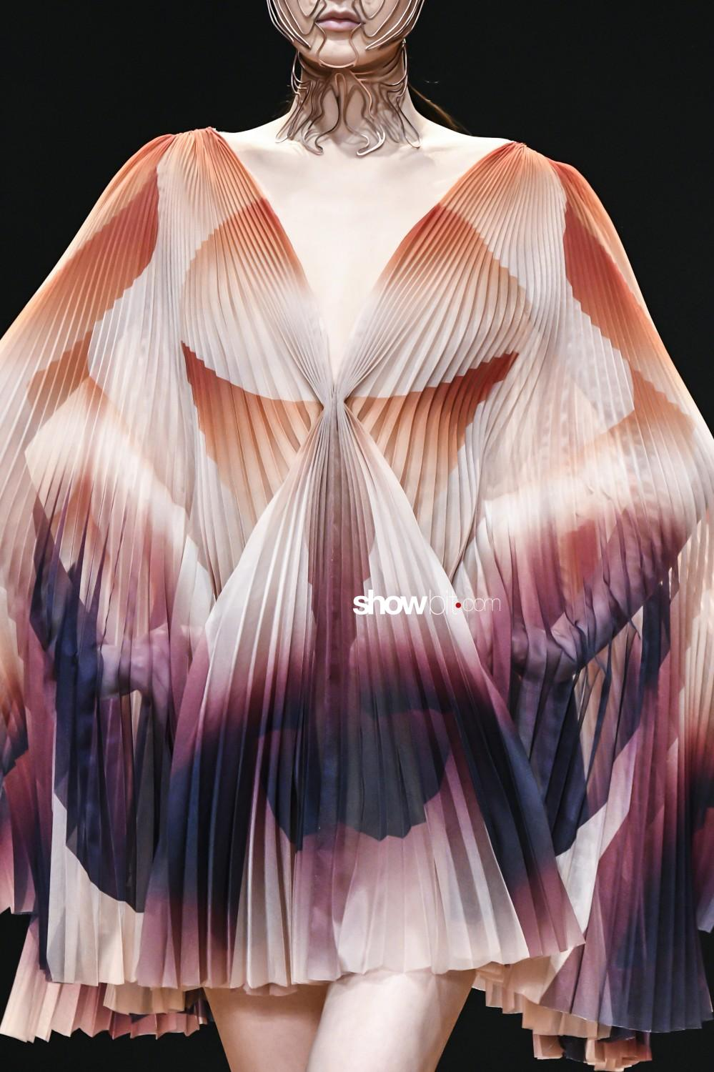 Iris Van Herpen close-up Haute Couture Spring Summer 2019 Paris