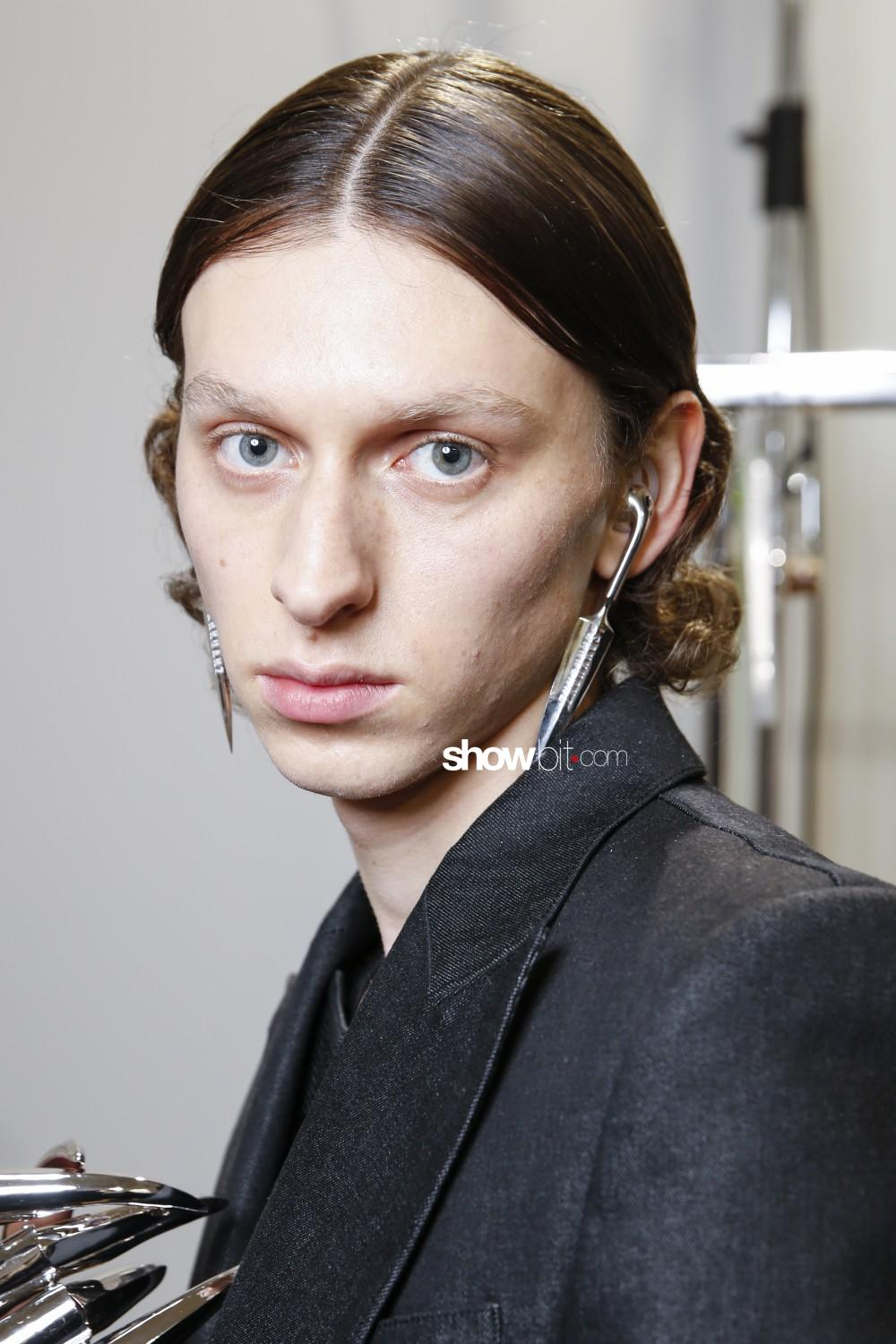Sankuanz beauty backstage Man Fall Winter 2019 2020 Paris